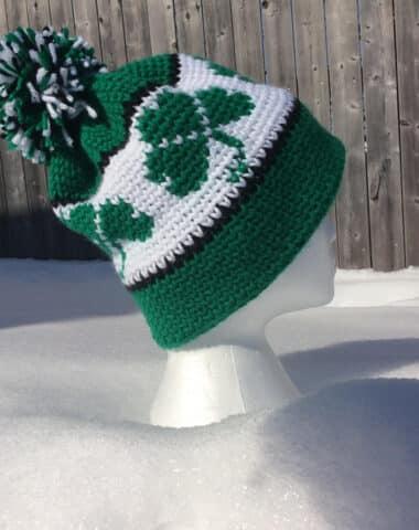 Crochet hat with shamrock