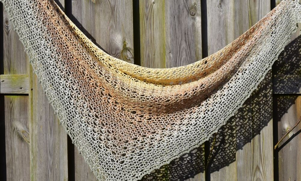 The_Proserpina_V-Stitch_Crochet_Shawl_Raffamusa_Designs