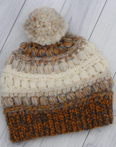 crochet beanie gold and white