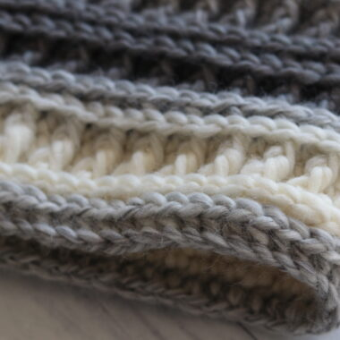 close up of misty cowl crochet stitches