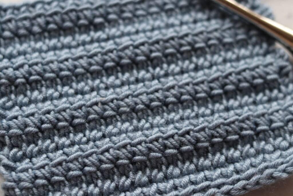close up linked double crochet stitch