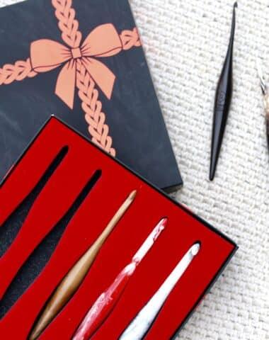 furls-crochet-hook-gift-box