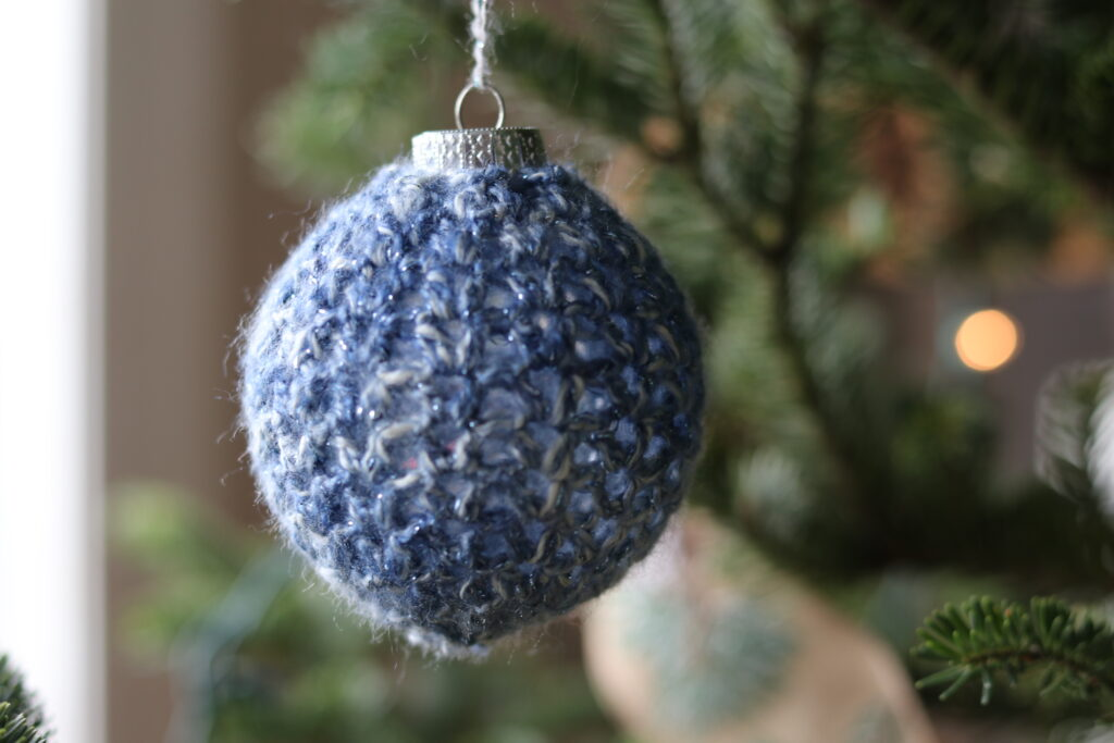 classic looking crochet Christmas ornament, blue, Christmas tree