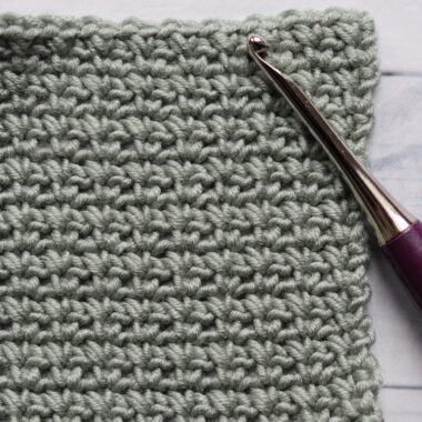 single crochet mesh stitch in green