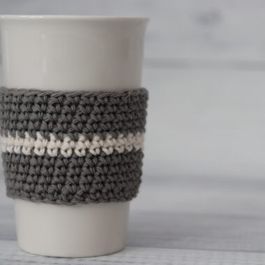 grey and white crochet cup cozy