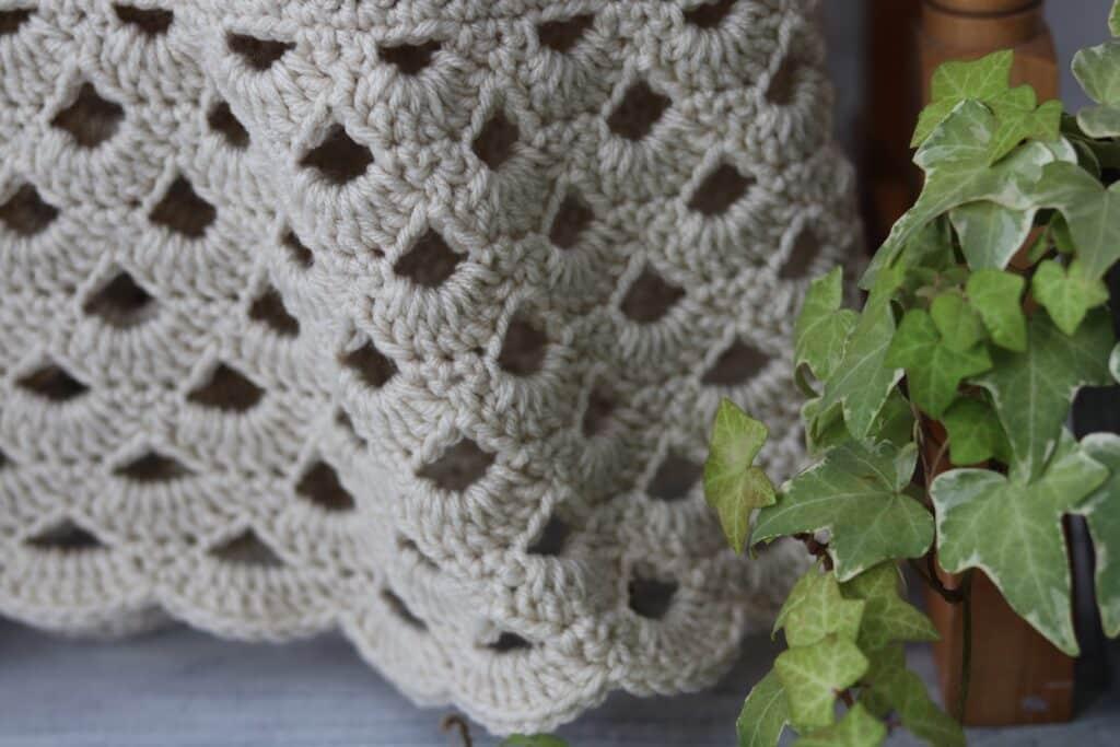 lace edging of crochet blanket