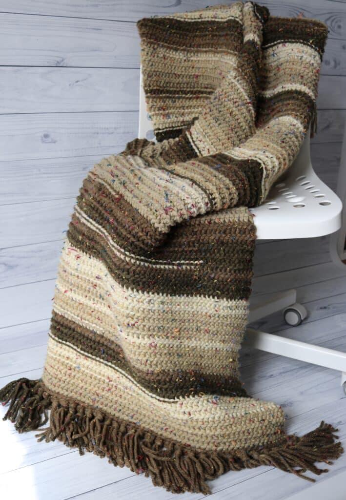 easy crochet blanket in brown and tan