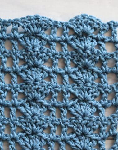 Shell and Lattice Crochet Stitch in blue