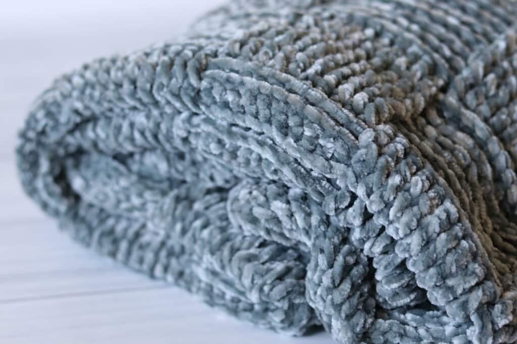 Crochet blanket in Bernat velvet yarn
