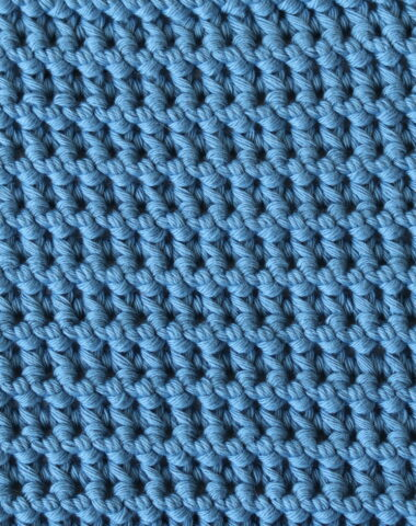 close up of the paired single crochet stitch