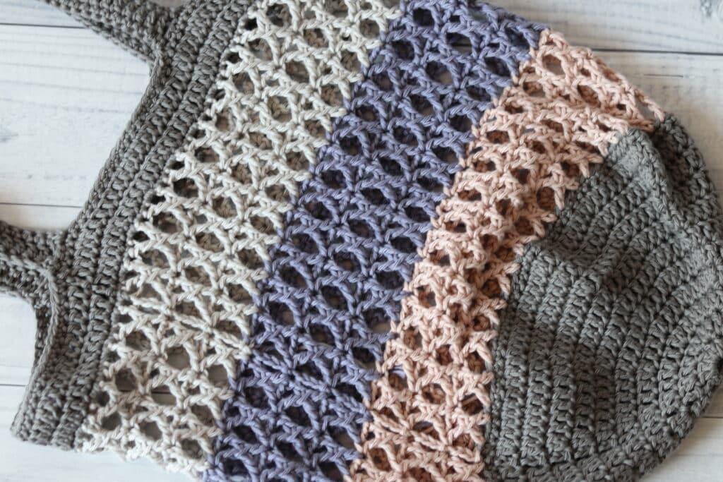 close up of the crisscross crochet market bag