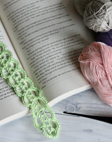lace crochet bookmark in green yarn