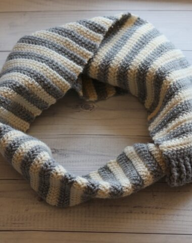grey and white crochet scarf